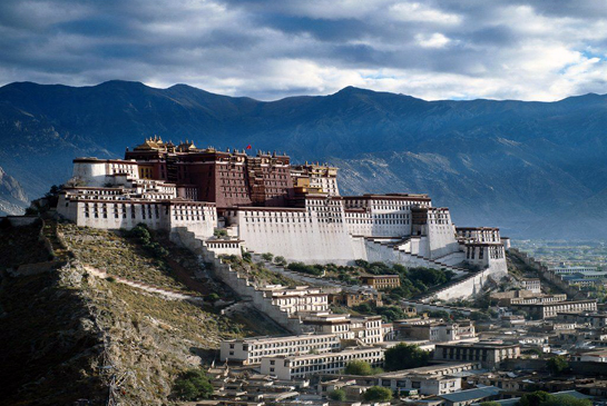 the-travel-diary-things-to-do-in-lhasa-potala-palace